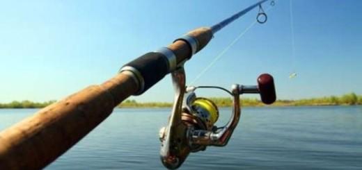 Наверное самый эпичный прикол на рыбалке, который только может случится. Данное видео заставит вас смеяться, даже если вы не рыбак.