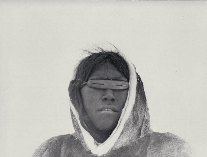 Эскимос в очках