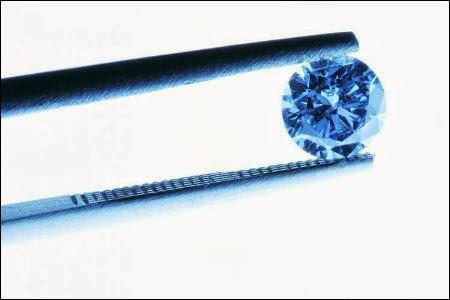 Швейцарская компания кремирует останки людей в алмазы