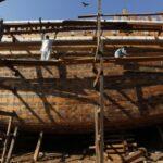Поразительно, в Пакистане строят лодки без чертежей