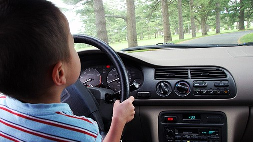 10-ти летний мальчик уехал с дому на авто