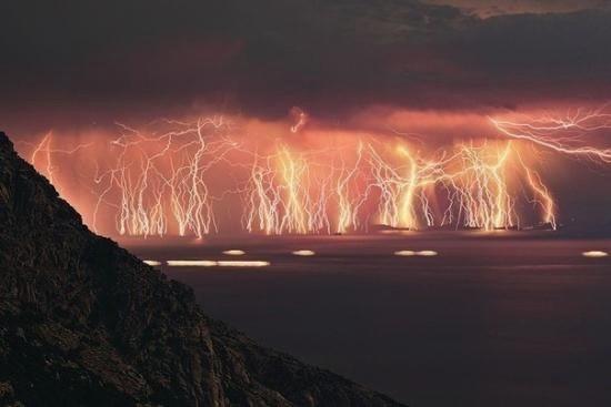Молнии Кататумбо сверкают 180 дней в году