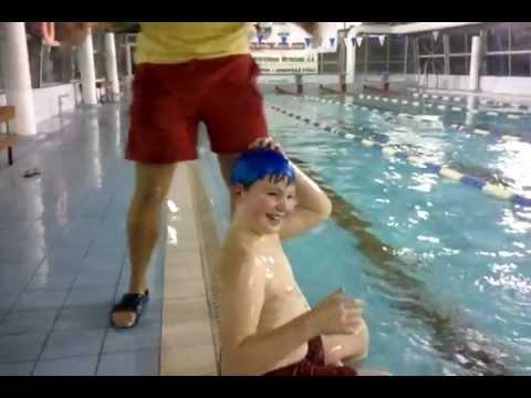 Маленький лайфхак с шапочкой для плавания