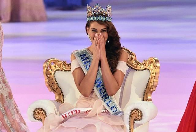 Международный конкурс Мисс Мира 2014, проходящий в Англии, победила 22-летняя студентка медицинского факультета, Ролен Штраус из ЮАР.