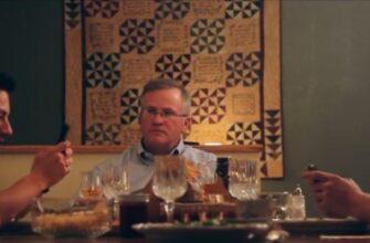 Как отучить пялится в телефон за семейным обедом