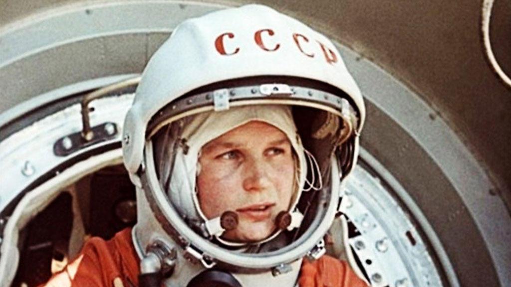 женщина в космосе