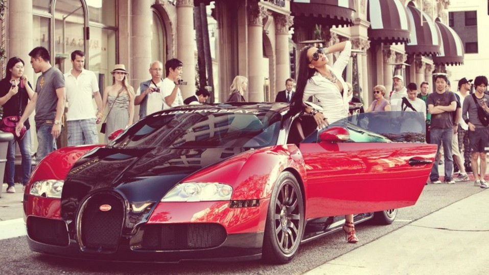 sexy-girl-bugatti-veyron-getting-out-car-legs-sunglasses
