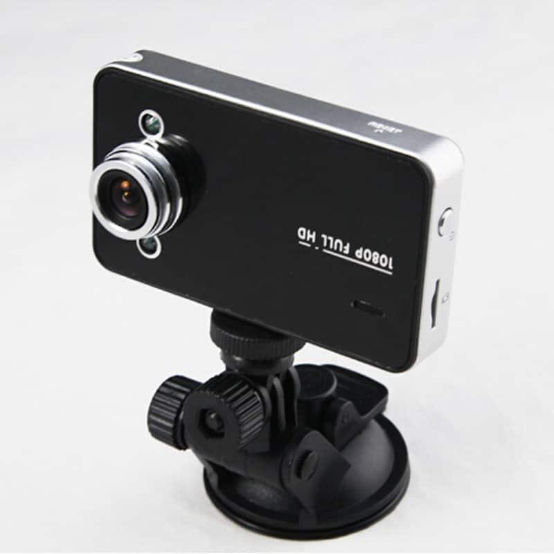 Купить видеорегистратор бу: изучаем особенности устройства